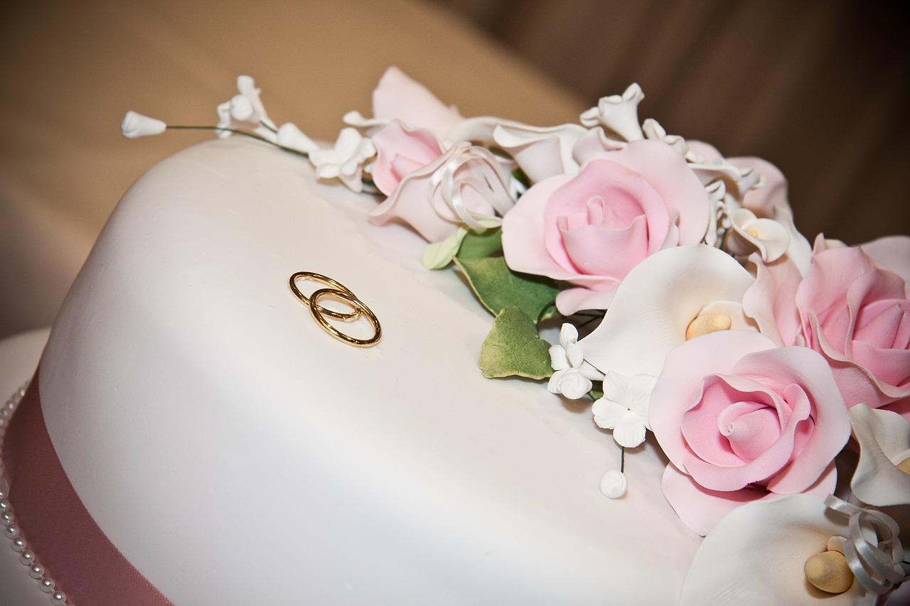 עוגה מבצק סוכר לאירוע